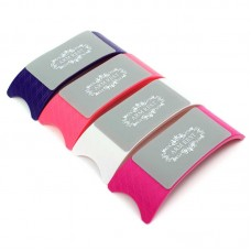 Пластмасова цветна възглавничка за маникюр с мек силикон отгоре